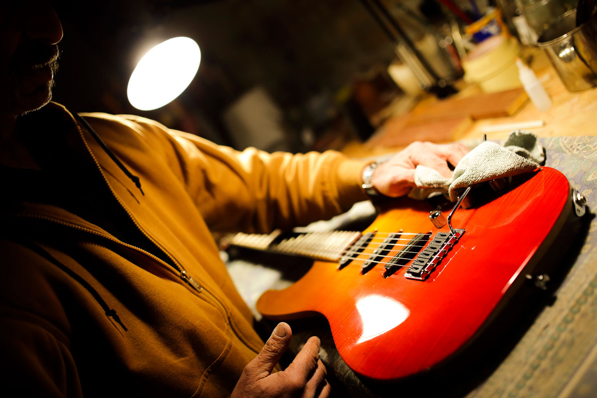 About Davide Pusiol Guitarworks