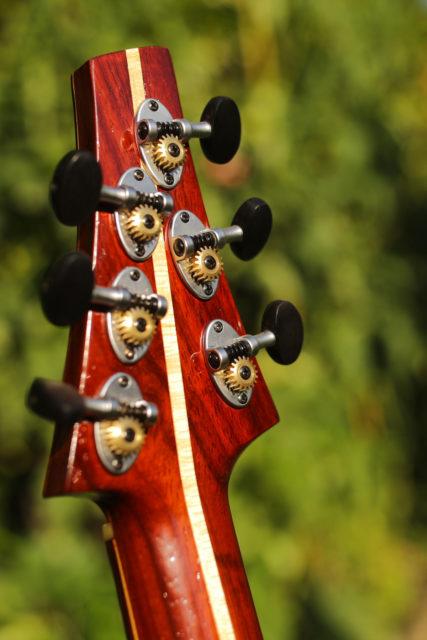 Pusiol Thin handmade guitar